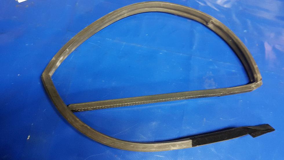 Mercedes W107 SLC Side Window Seal Set Pt No 107 720 11 78, 1077201278