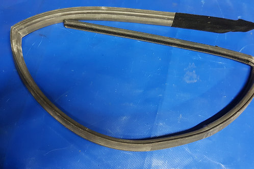 Mercedes W107 SLC Side Window Seal Right Pt No:- 107 720 12 78, 1077201278