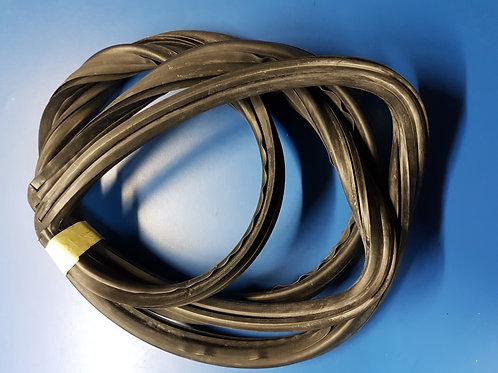 Mercedes W116 Rear Windscreen Rubber Mould OEM - 116 670 00 39, 11667000 39
