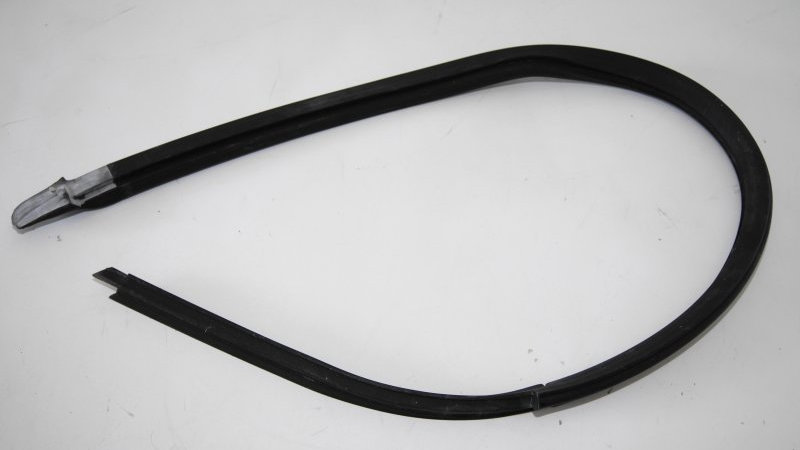 Mercedes W114 Coupe Right Window to Roof Rubber - 115 720 02 54, 1157200254