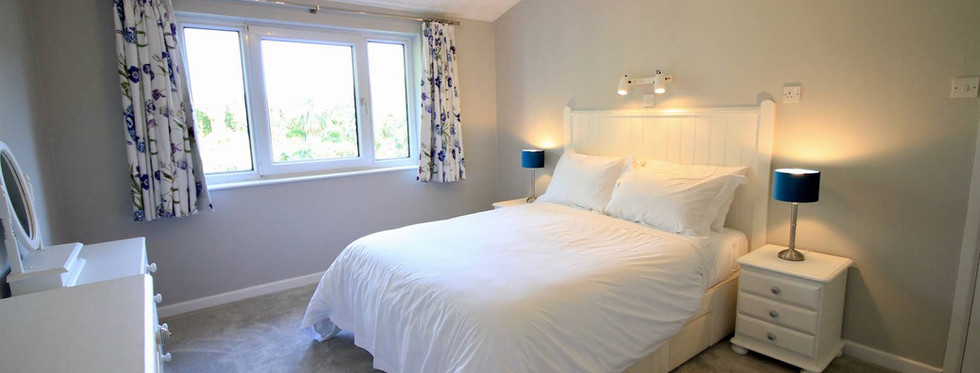 Dove Lawn Bedroom 1