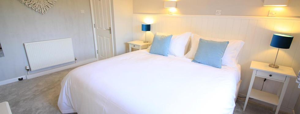 Dove Lawn Bedroom 2