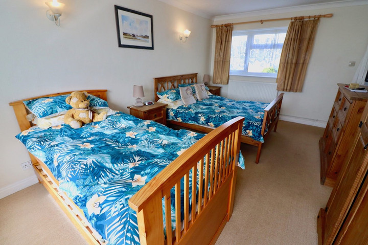 Large Family Bedroom Can Sleep 4.jpeg