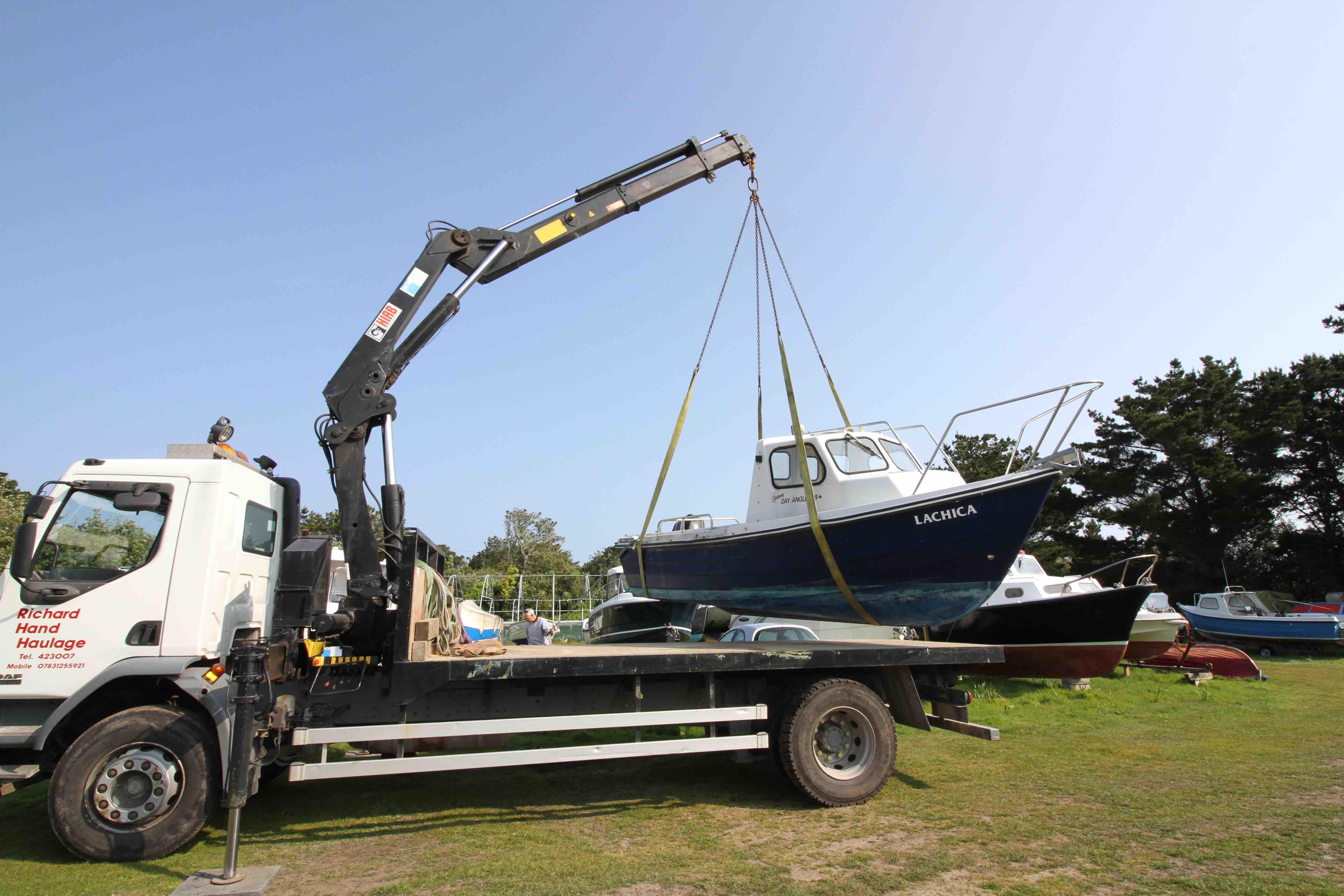 Lifting Boat