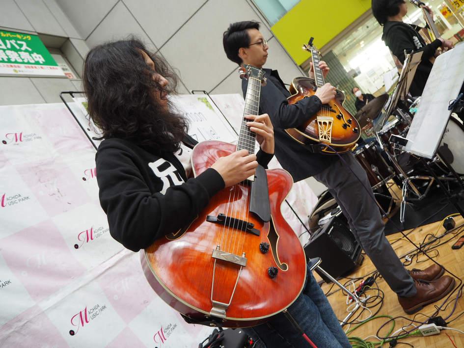 Kaji Yoshihiro and Hashizume Takashi