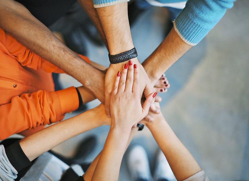 Miteinander durchstarten! Beim WE GROW Co-Coaching Day, moderiert durch Lucia Schramm-Kaineder, treffen sich Experten für den Austausch auf Augenhöhe! Gemeinsam wachsen ist die Devise!