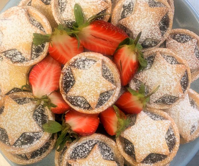 XmasMincePies%2BStrawberries_edited.jpg
