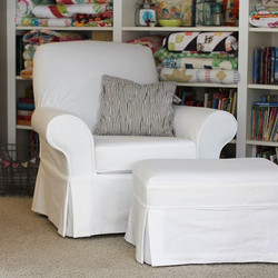 I finally have some before and after pictures up on the blog about the chair slipcover I made along