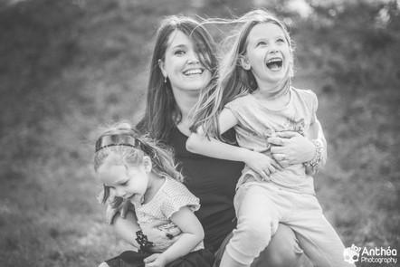 Photographe Famille Oullins - Lyon -  Mais vous êtes fous ? Oh oui !