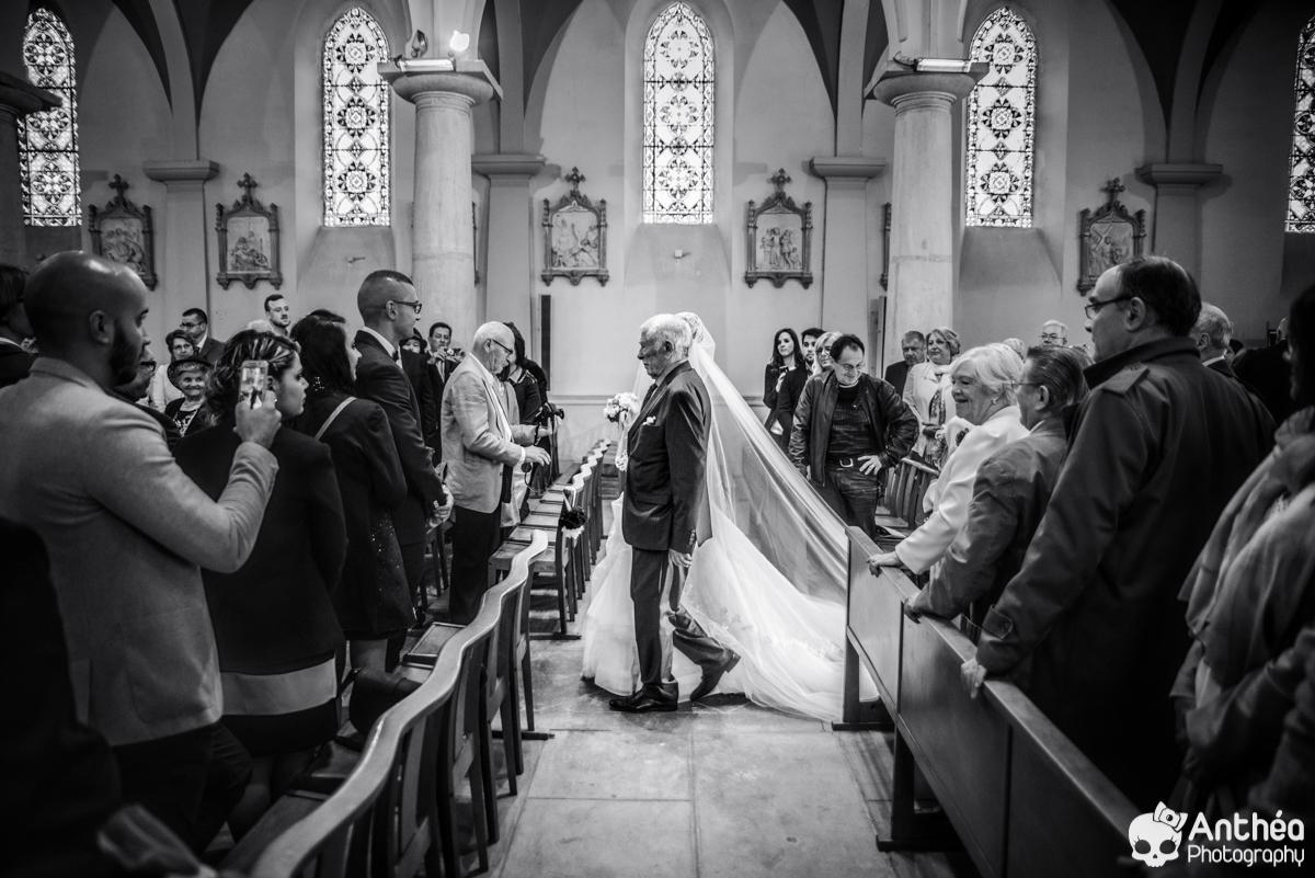 entrée église papa mariée