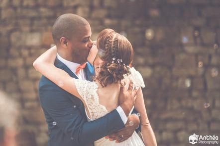 Mariage intime en Vendée : Emma & Manu se disent oui dans la maison de vacances.