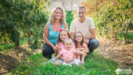Séance Photo Extérieure - La tribu des filles ( et un papa heureux ! )