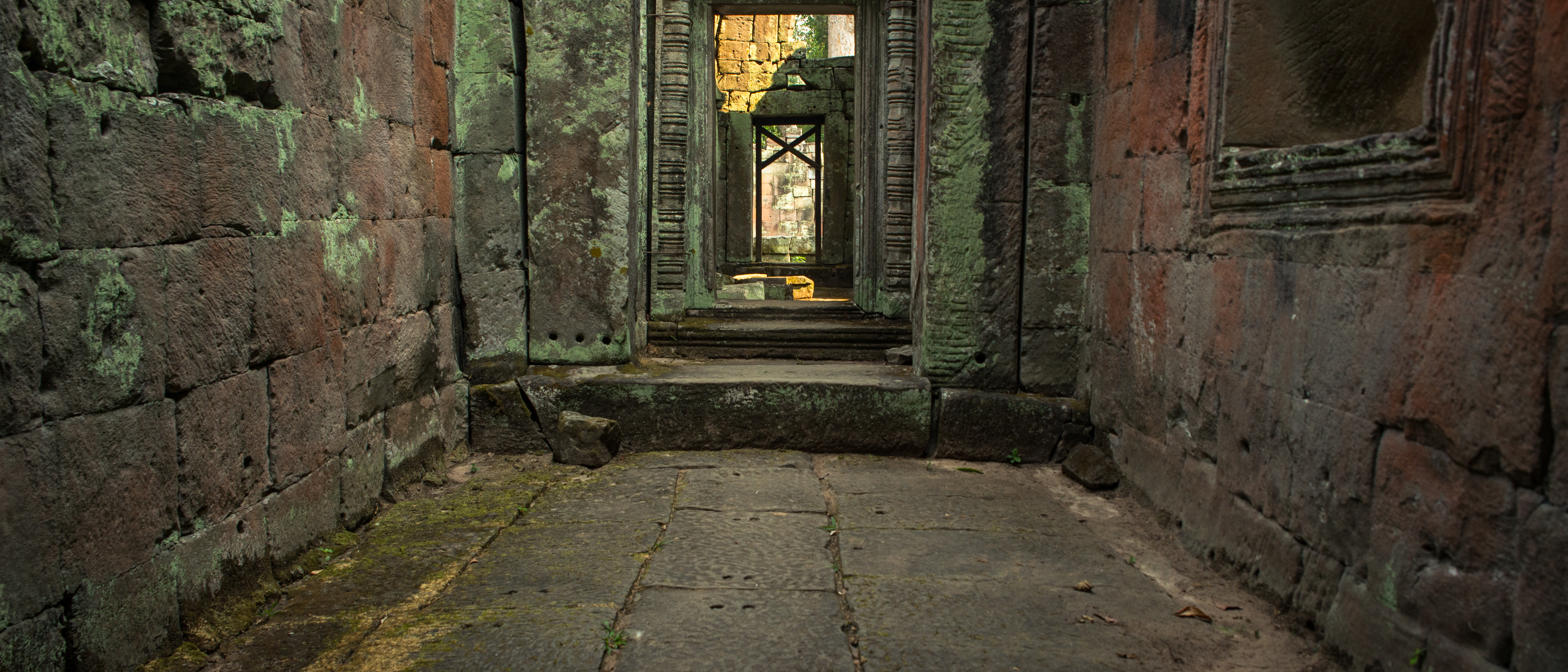 temple porte doors cambodia cambodge