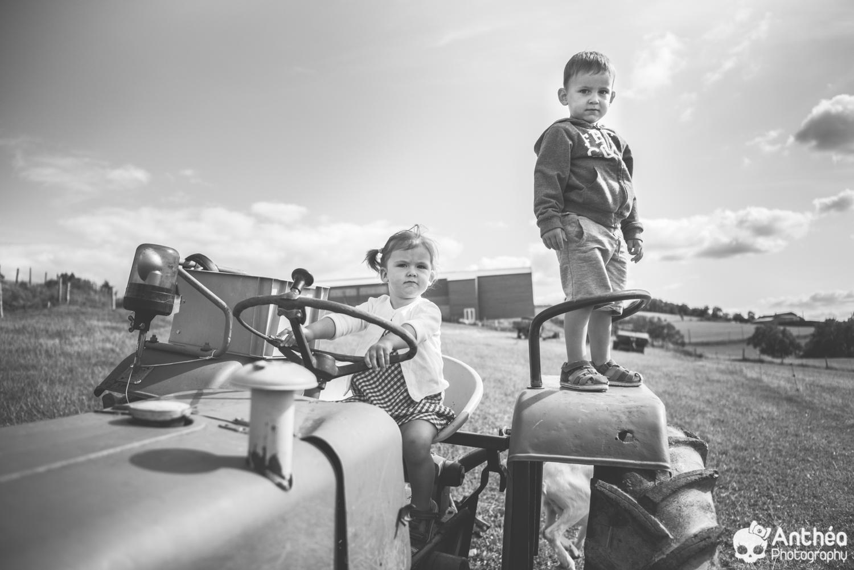 Séance famille à la ferme