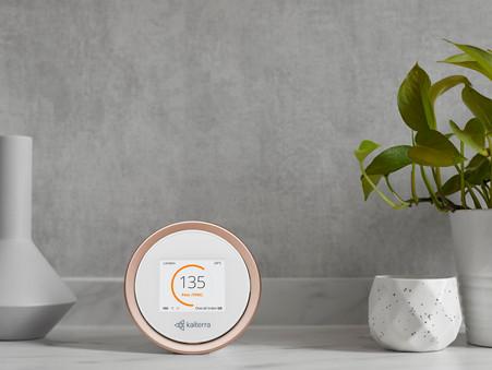 Dopřejte si zdravější prostředí a komfort s designovým senzorem pro kontrolu kvality vzduchu