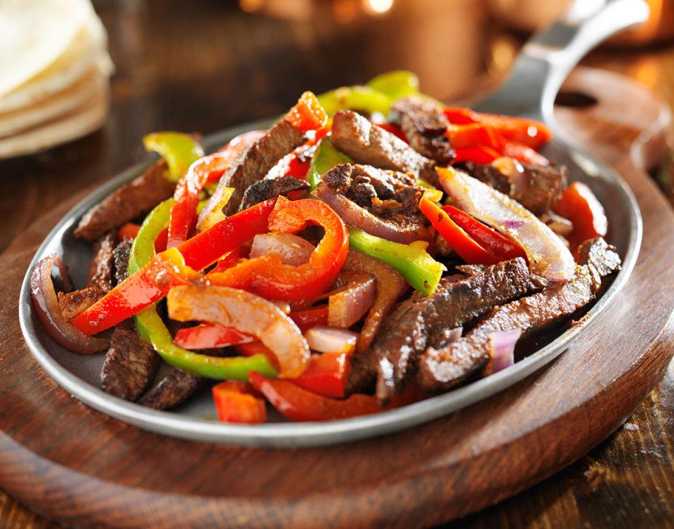 Skirt-Steak-Beef-Fajita-Platter-960x753