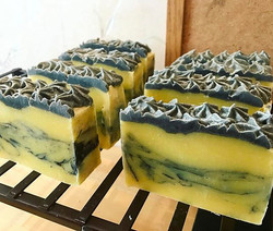 Bumblebee bars, #wickedwaters #savyssoaps #Wickedwaterssoaps #coldprocesssoaps #handcrafted #handcra