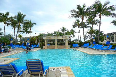 WIR marriott-pool-full