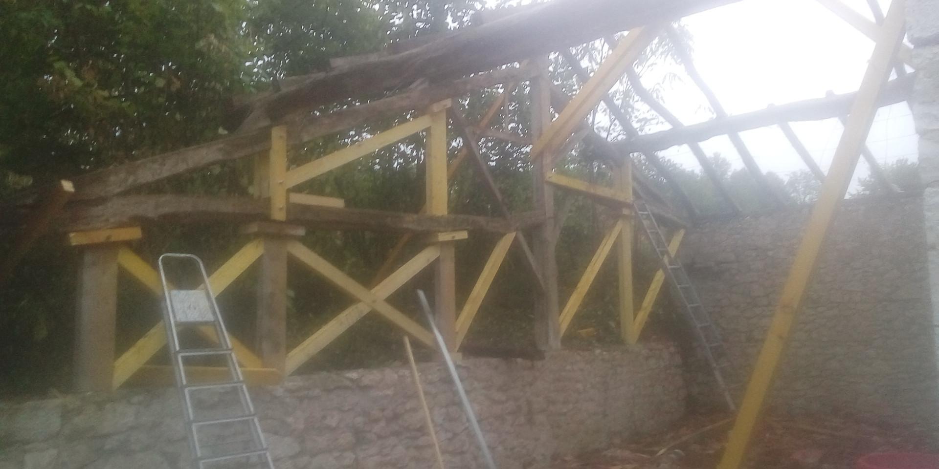 Restauration d'une grange ouverte