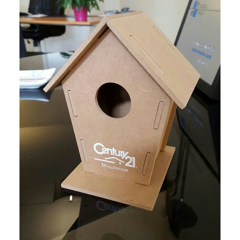 Personnalised nesting box for birds