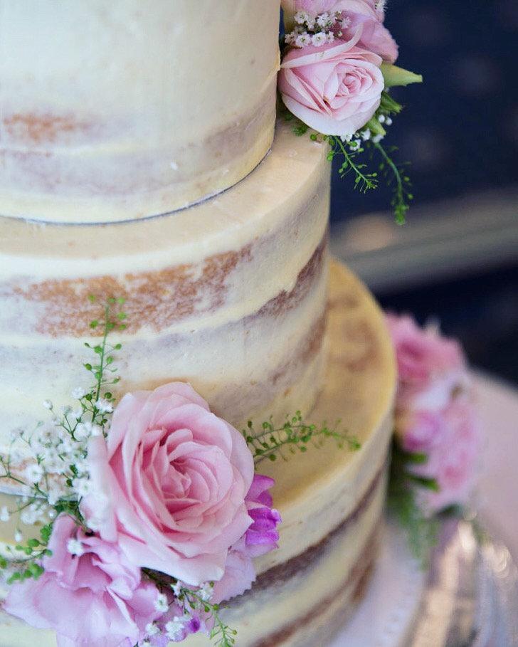 Wedding cake booking deposit