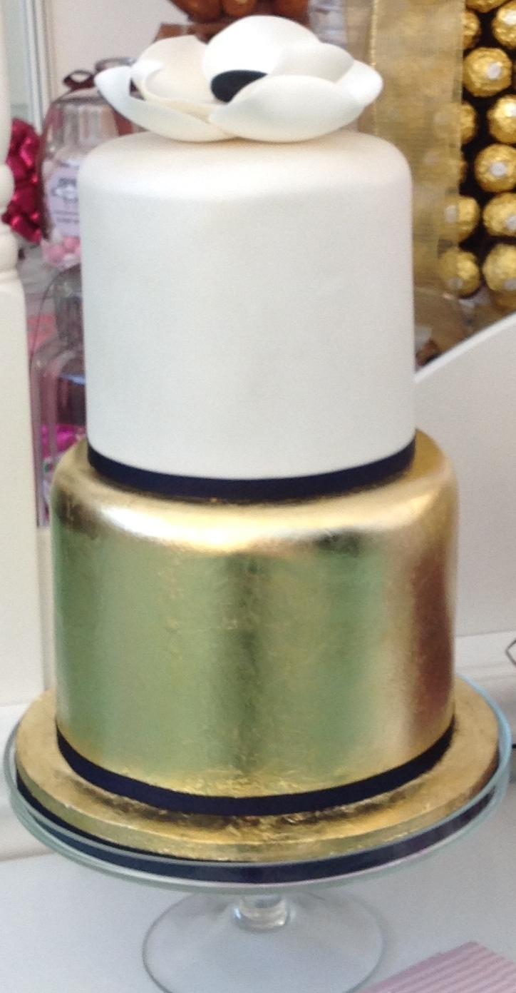 Anemone and Gold Wedding Cake