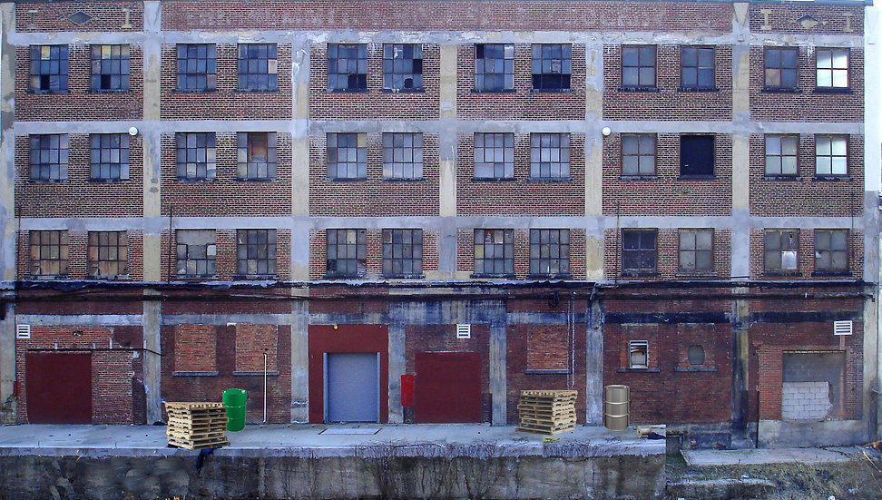 #141 HO Large Factory 1