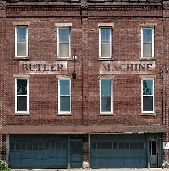 # 323 O Scale BUTLER MACHINE Background building flat