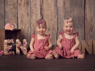 sitter twins