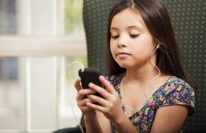 4 dicas para medir se o filho está ficando tempo demais no celular