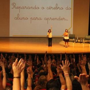 PALESTRA PARA 1200 PROFESSORES EM JACAREÍ