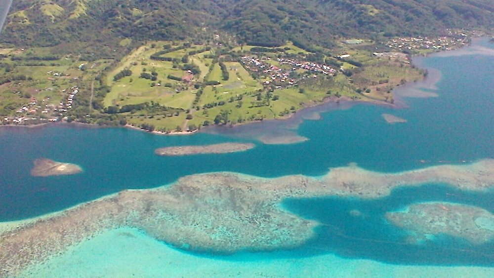 Golf de Papara et son magnifique lagon ... Photo Aude Dubouch.