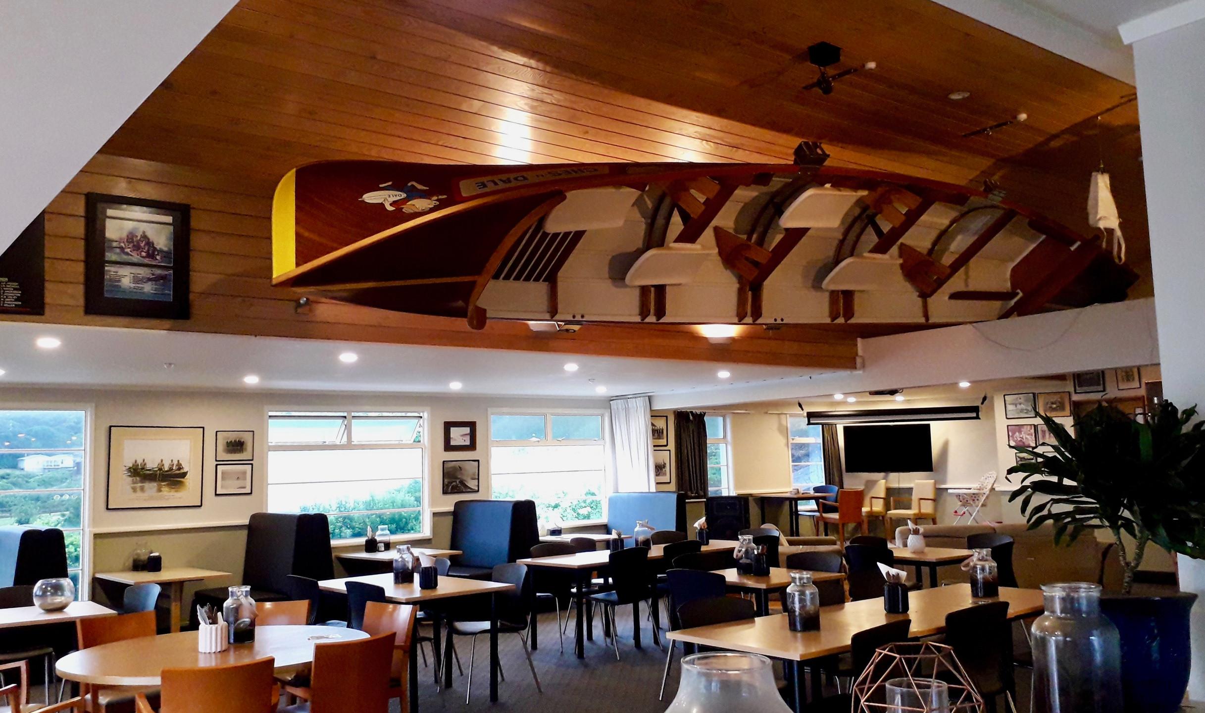 Social Club Restaurant, Piha Beach; ©Taina CALISSI