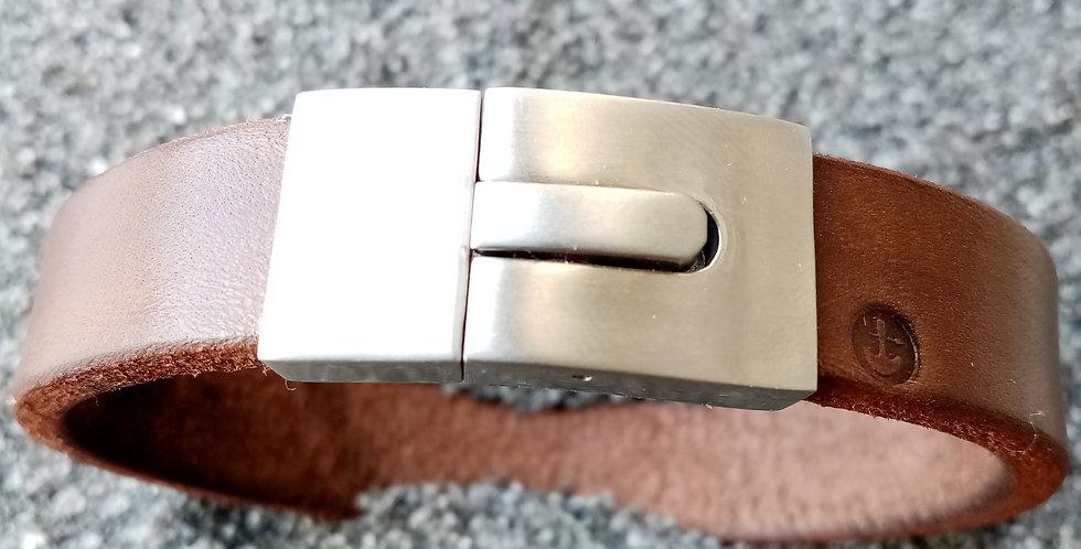 Bracelet en cuir et fermoir inox