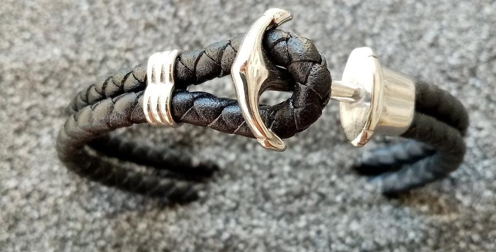 Bracelet en cuir tressé et fermoir ancre