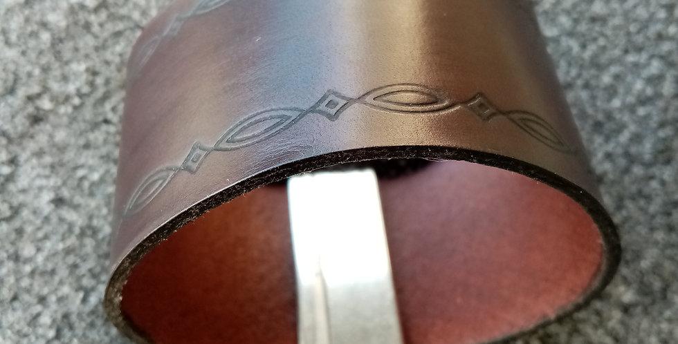 Bracelet en cuir 40 MM et fermoir aimant fort.
