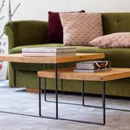 Subtilní konferenční stolky ze dřeva