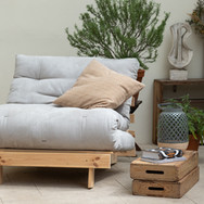 Pohodlné posezení na rozkládacím futonu