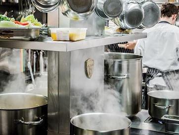 За стеной: главные отличия работы кухни за границей и у нас