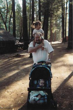 Eric Peterman with his daughters Hannah
