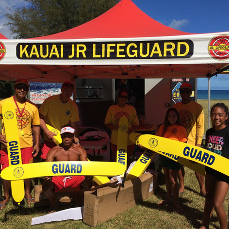 Kauai Jr. Lifeguards recieving Rescue Tubes from the Rescue Tube Foundation