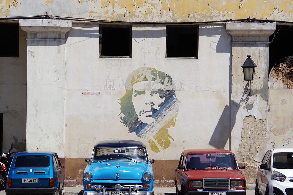キューバ ハバナ チェ・ゲバラ 写真 壁画