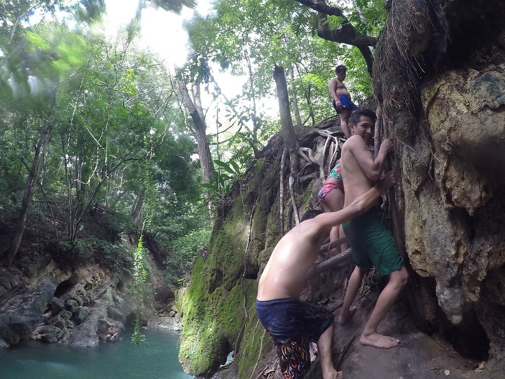 フィンカ・エル・パライソ finca el paraiso 温泉の流れる滝 リオ・ドゥルセ
