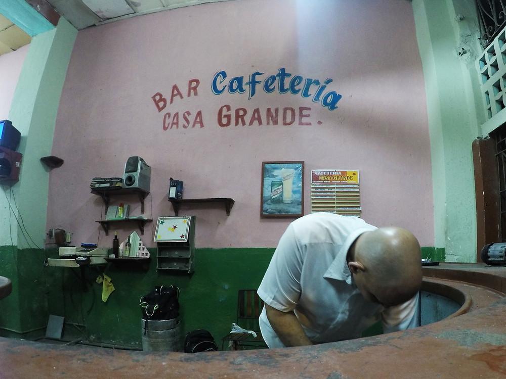 キューバ ハバナ カフェバー