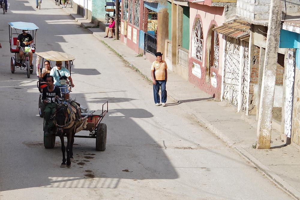トリニダー キューバ 馬車