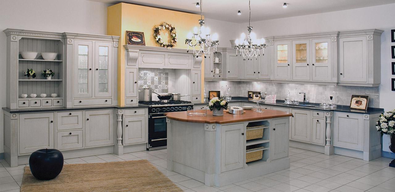 Beau Cuisine Cottage 1 · Cuisine_cottage_sous_mezzanine_hauteur_réduite