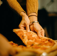 woman-picking-pizza-3171766.jpg