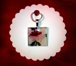Ladies' Auxiliary Pendant in Pink