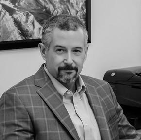 William Lindsey, MD