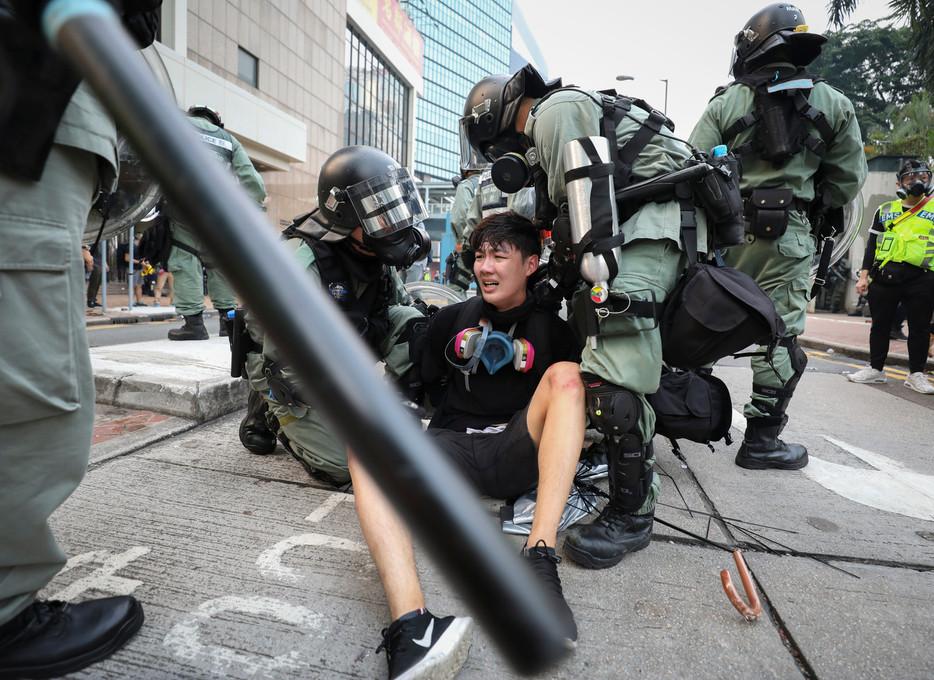 PROTEST671.JPG